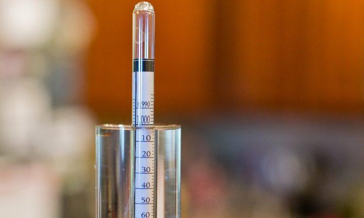 Как измерить крепость ареометром, виномером и сахаромером