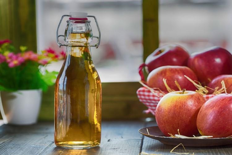 Как сделать домашнее вино, сидр и кальвадос из яблок - справляемся с большим урожаем