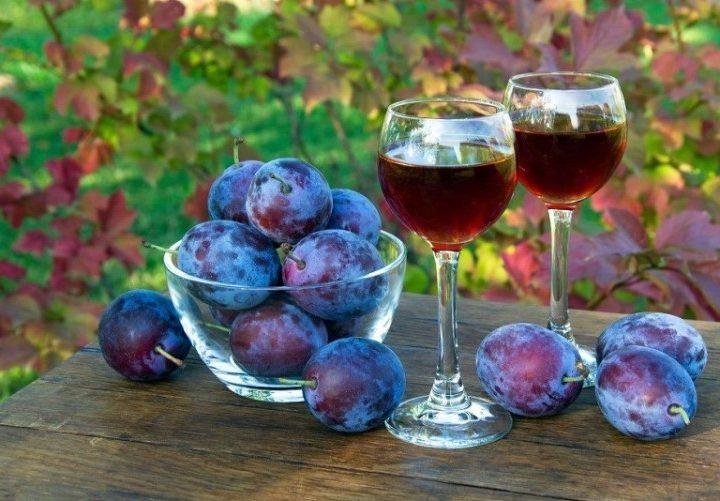 Сливовое вино, простой рецепт в домашних условиях
