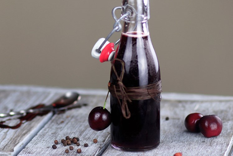 Как приготовить вишневый самогон